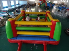 Anel de boxe bouncy